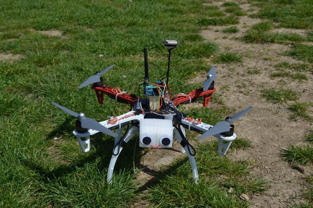Arduino Yun based Quadcopter Comelicottero